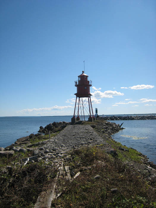 alpena-lighthouse-breakwall-img_7284