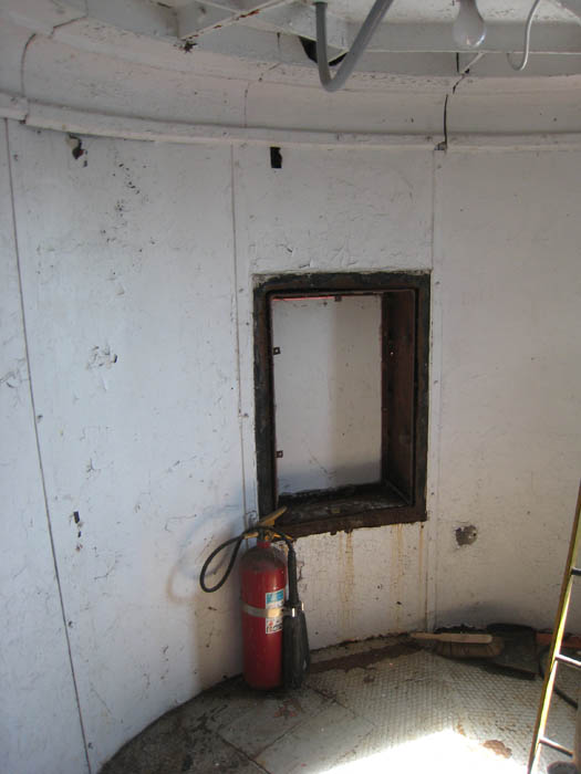 alpena-watchroom-window-rear-img_7361